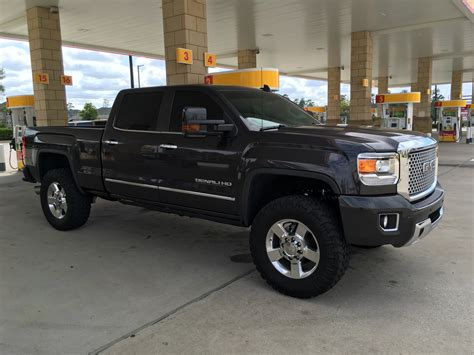 """2016 with factory 20"""" wheel spacer ??? - Chevy and GMC"""