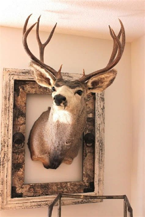 20 Awesome Pieces of Antler Art