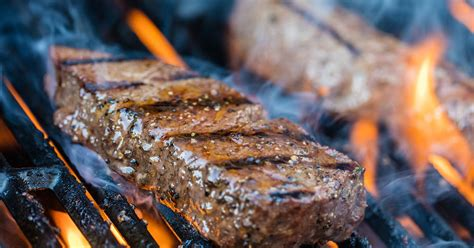 How to Grill the Perfect Steak Every TimeGrill a Steak to