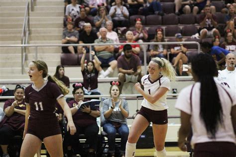 GALLERY: Red Oak volleyball defeats Joshua in 14-5A opener