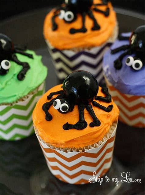 Best Ever Spider Cupcakes in 4 Easy Steps | Skip To My Lou