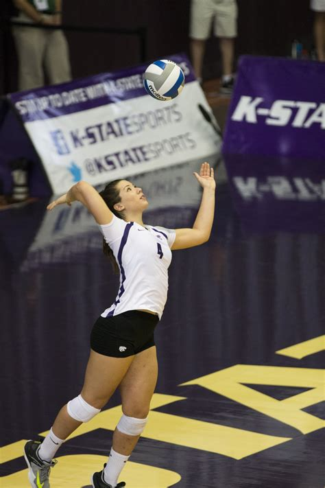 OPINION: Why K-State volleyball games are the best