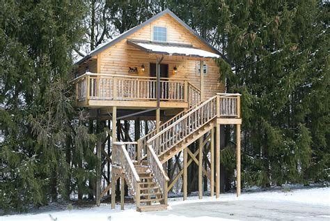 Cabins in Berlin Ohio :: Luxury Tree House in Amish Country