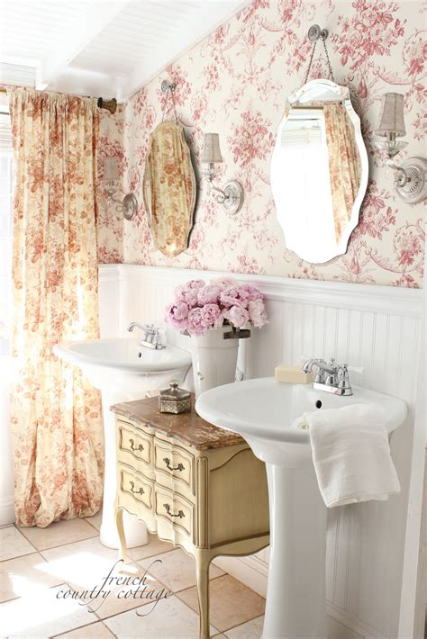 Small-Country-Bathroom-Ideas-Home-Decor-French-Country
