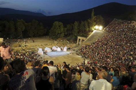 Economic crisis proves no tragedy for Greek theater   Life