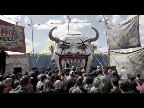 Hellzapoppin Circus Sideshow Live At Riot Fest - YouTube