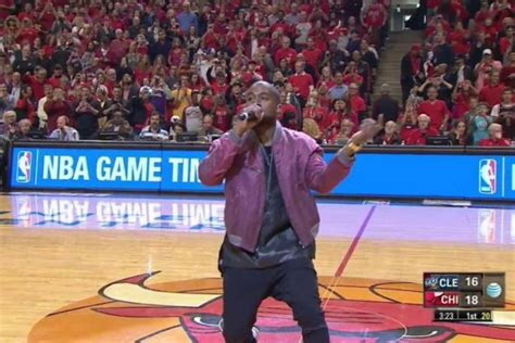 """Kanye Performs """"All Day"""" At United Center 