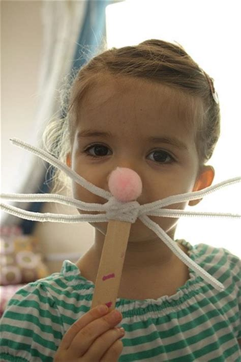 the Easy Easter DIY Crafts- Easter bunny mask - Dump A Day